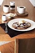 Pancakes with ricotta-lemon cream