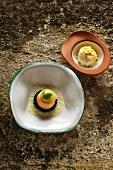 Gedämpfter Saibling mit Zitronennudeln und Spinat