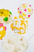 Cake pops decorated for spring