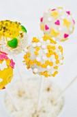 Cake Pops mit Frühlingsdeko