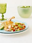 Garnelen und Hähnchen mit Avocadosalsa