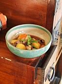 Nikujaga (Kartoffeleintopf mit Rindfleisch, Japan)