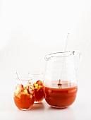 Mai Tai Fruchtpunsch in Glaskrug und Gläsern