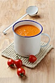 Tomato soup from the oven with roasted cherry tomatoes