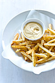Garlic mayonnaise and french fries