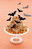 Halloween Rice Krispies mit Candy Corns und Fledermäusen