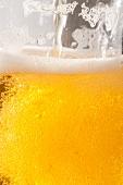 Ein Glas helles Bier (Ausschnitt)