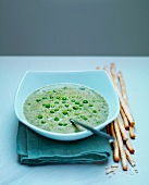 Pea soup with grissini