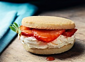 Shortbread sandwich with cream cheese and strawberries