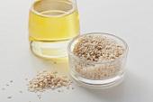 Sesame seeds and light sesame oil