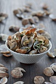 Clams in white wine