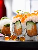 Salmon & caviar sushi (close-up)