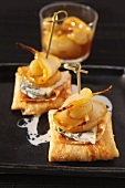 Crepes with gorgonzola and pears