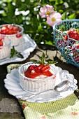 Quark with strawberries