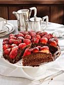 Schokoladen-Erdbeer-Kuchen
