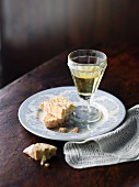 Cantuccini with dessert wine