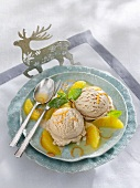 Gingerbread ice cream with oranges