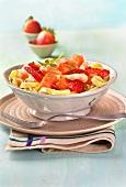 Pasta with prawns, smoked salmon and strawberries
