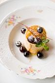 Dolce di nocciole e uva (hazelnut dessert with grapes)