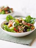 Tuna salad with beans