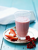 Strawberry and redcurrant smoothie