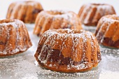 Bundt cakes dusted with icing sugar