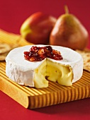 Camembert, sliced, with fruit compote