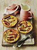 Rhubarb tarts (England)