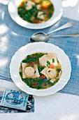 Zuppa ai ravioli (spinach soup with ravioli)