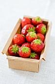 Erdbeeren in einem Karton