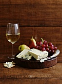 Blue cheese, fruit and a glass of white wine