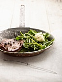 Pepper steak with green bean salad