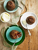 Christmas puddings (English)
