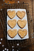 Decorated, heart-shaped shortbread biscuits