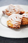 Sfogliatelle (Italian puff pastry cakes)