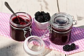 Blackberry jelly and fresh blackberries