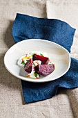 Fried beetroot with yogurt