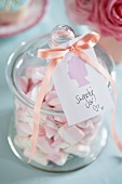 Sweets in a glass jar (England)