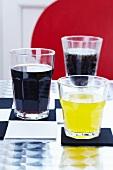 Filzuntersetzer für Gläser im Schachbrettmuster