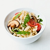 Pasta salad with shitake mushrooms