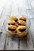 Baked apples with black pudding and chestnuts (France)