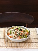 Rice noodle salad with king prawns (Thailand)