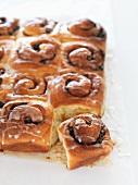 Tray bake buns