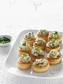 Vol-au-vents filled with chicken and mushrooms