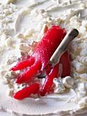 Handform mit abgeschnittenem Finger aus Fruchtgelee