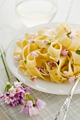 Tagliatelle with garlic and lemons