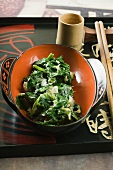 Sautéed spinach with onions and ginger (Asia)
