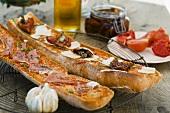 Pa amb tomaquet (Catalan tomato bread)