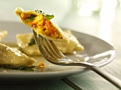 Ravioli con la zucca (pumpkin ravioli with sage butter)