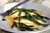 Lasagne sheets with green wild asparagus